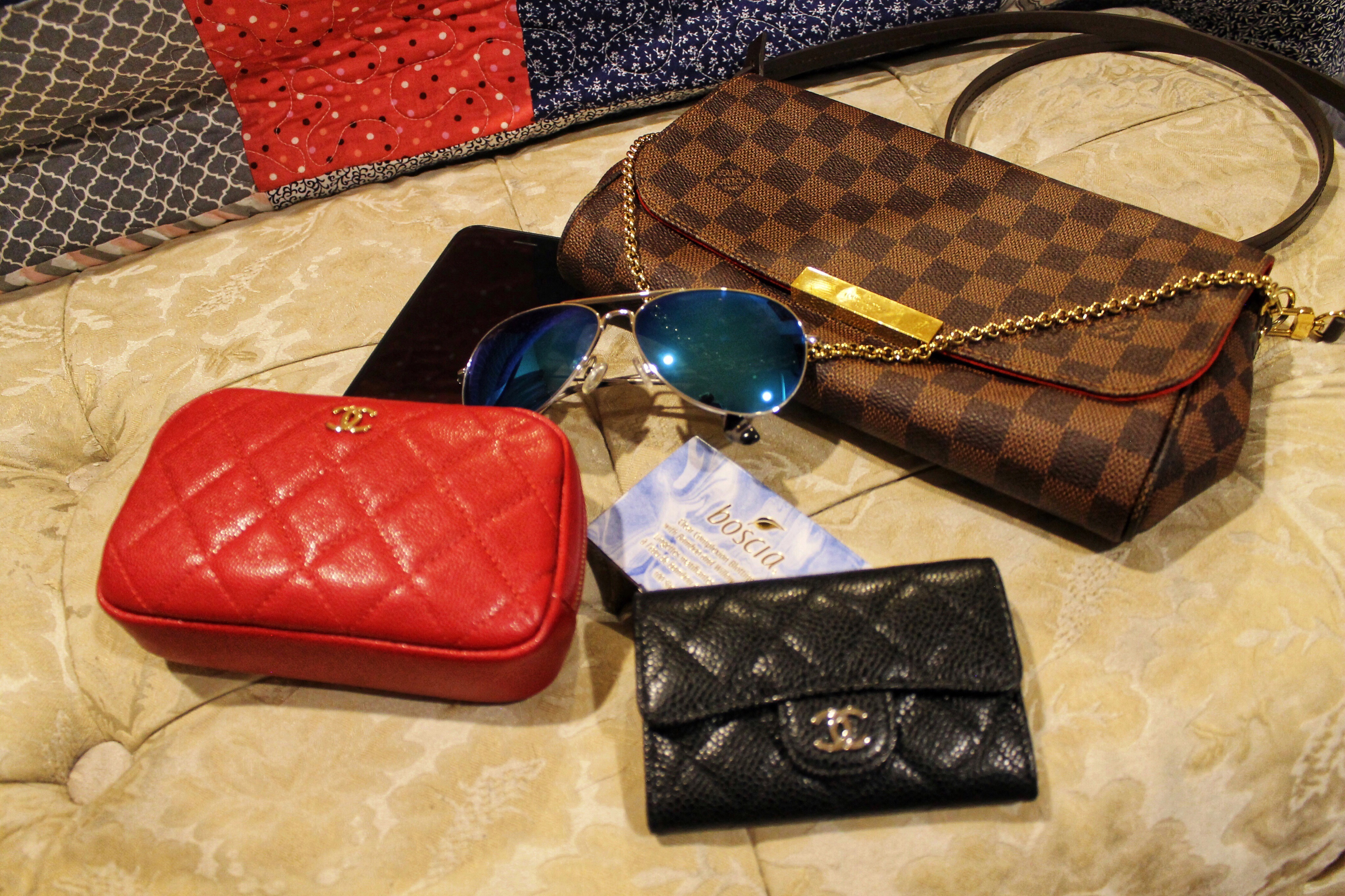 309dc912c8ab Review of the Louis Vuitton Favorite MM – Jessie s Nonsense